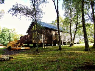 Log Cabin with Hot tub Peaceful location, Shores of Loch Awe, Fishing Rights