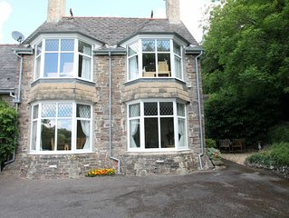 Headmasters Cottage, Dulverton - sleeps 4 in Exmoor National Park