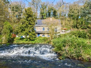 Peacefully located home from the 16th century, with a large garden along a river