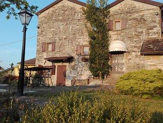 Pace e relax con piscina privata Borgo val di Taro
