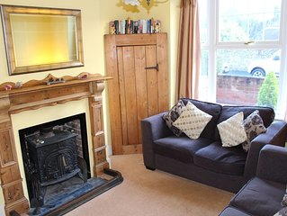 Period family friendly cottage only 3 minutes walk from Overstrand's beaches