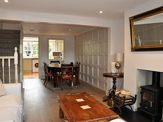 Quintessential english cottage perfect for ' The Season' events & fine dining
