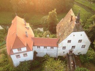 Wohnen wie die Burgherren im renovierten Südflügel !