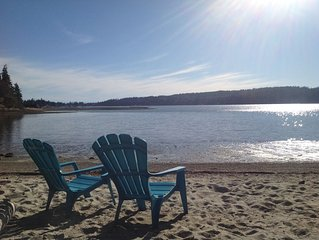 SANDY BEACH HOUSE on the Sunshine Coast (Sechelt)!