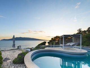 Splendid Mediterranean Seaside Villa, Gardens, Pool, Almost Heaven