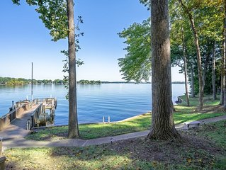Book now! Amazing Lake Norman view w/great outdoor seating, perfect for families