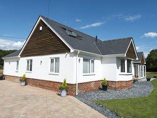 5 bedroom accommodation in Stuckton, near Fordingbridge