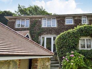 5 bedroom accommodation in Bonchurch, near Ventnor