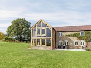 5 bedroom accommodation in Much Marcle, near Ledbury