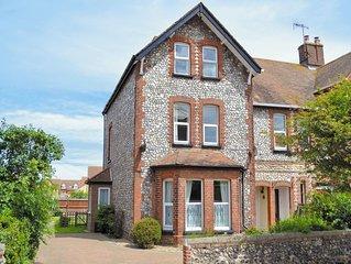 3 bedroom accommodation in Sheringham
