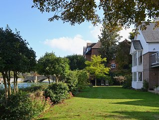 5 bedroom accommodation in Arundel