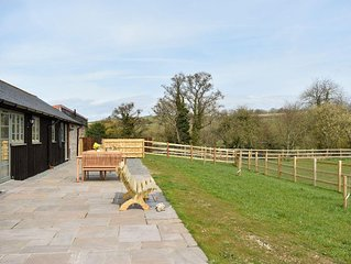 2 bedroom accommodation in Notton, near Dorchester