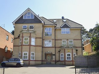 2 bedroom accommodation in Bournemouth