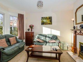 4 bedroom accommodation in Salisbury