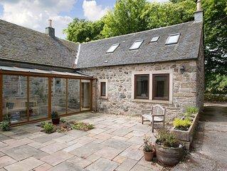 2 bedroom accommodation in Lochwinnoch, near Largs
