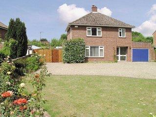 5 bedroom accommodation in Wroxham