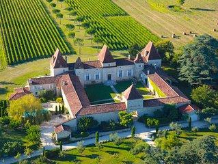 PROMO 25% Chateau viticole du 17e siecle ( Pool Cottage )