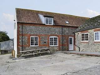 3 bedroom accommodation in Wootton Fitzpaine, near Charmouth