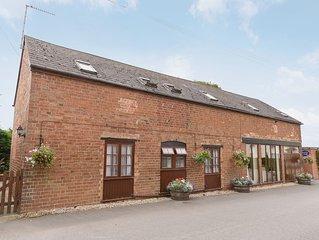 5 bedroom accommodation in Cheltenham