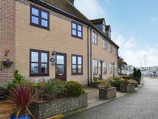 2 bedroom accommodation in Cowes, near Newport