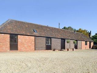 2 bedroom accommodation in Wick Hill, near Chippenham