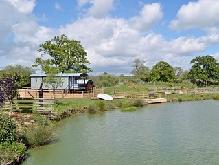 1 bedroom accommodation in Motcombe, near Gillingham