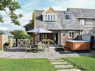 3 bedroom accommodation in Piddletrenthide, near Dorchester