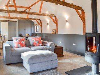 2 bedroom accommodation in Midgham, near Fordingbridge