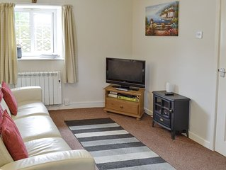 2 bedroom accommodation in Wootton Fitzpaine, near Charmouth