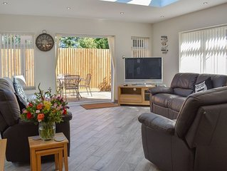 2 bedroom accommodation in Poole
