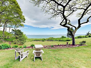2BR Cottage by the Sea in Woods Hole – Private Beach, Near Falmouth &  Ferry