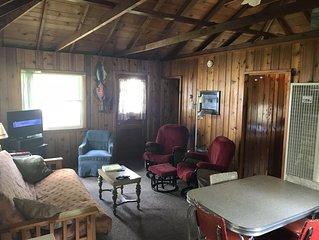 Cozy Cottage on Peaceful Paradise Lake