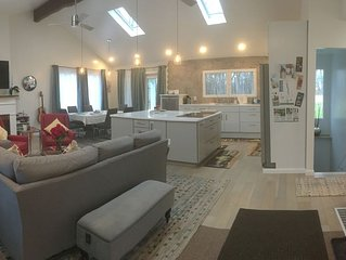 Remodeled house with AC & EV-Charger - close to HWS, wedding venues, Seneca Lake