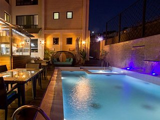 This deluxe apartment offers amenities that create an unforgetable experience