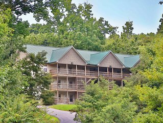 3 BR Condo, Deck, BBQ Grill, DVD Player, Resort Pool, Central Air, Sleeps 16