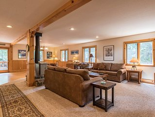 Celtic Lodge: 3 BR / 2.5 BA house/cabin in Homewood, Sleeps 8