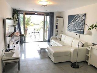 Apartamento lujo,frente al mar,2 dormitorios,2 banos, WIFI 24 horas Fibra