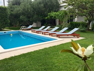 Luxury family-friendly apartment with private pool, 10 min drive to center Split