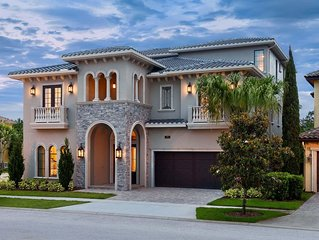 HUGE Summer Savings!Custom Build, 11 bdrm vacation home–only minutes from Disney