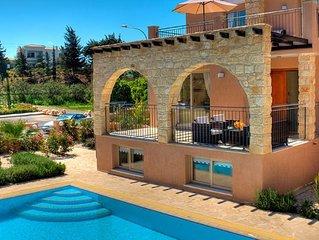 Exclusive Luxury Villa - Private Sandy Beach - Heated Jacuzzi - Heated Pool