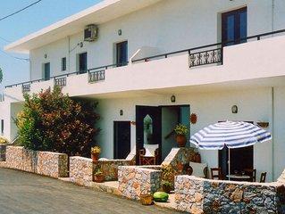 Schöne, große Ferienwohnungen mit Pool in strandnaher, familiärer Umgebung.