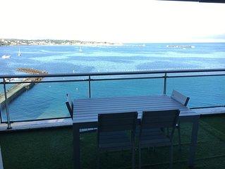 Superbe appartement avec une terrasse face a la baie de St Jean