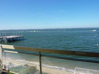 Appartement 'les pieds dans l'eau' vue sur mer. Centre ville à pied. Wi Fi