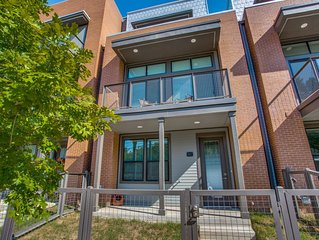 Luxury townhome with rooftop patio located a block away from the Pearl