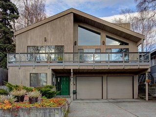 Downtown Anchorage Luxury Retreat, Mountains Views, Great Location