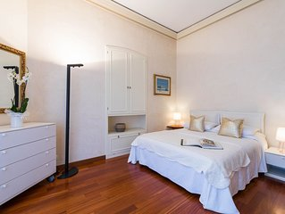 LUXURY FLAT in the heart of BORDIGHERA, with PARKING SPACE, close to the beaches