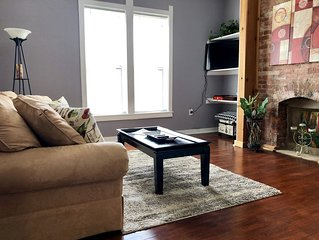 """Modern """"Home Away From Home"""" in Popular Fountain Square!"""
