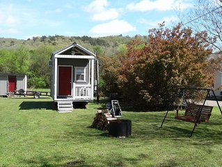 The Tiny House Experience 6m North of Mnt. View Ark. on N. Riverview  Rd Cr 186