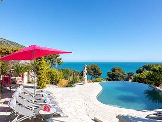 Luxury Villa 180º sea view, Infinity Pool 4 bd, 4 bath, walk to the beach