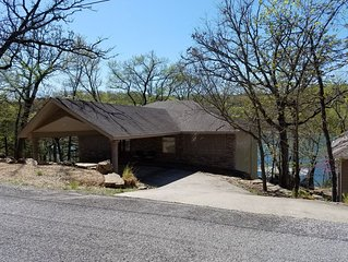 SAILBOAT COVE is a beautiful luxurious Lakefront Home! WIFI Available